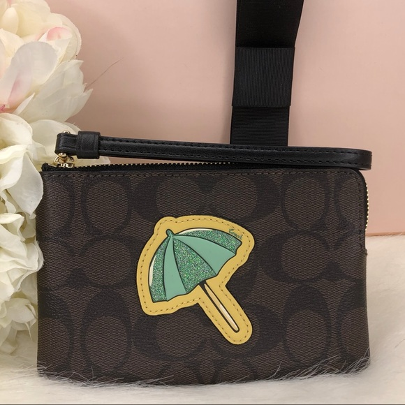 Coach NWT Signature Print Beach Umbrella Wristlet